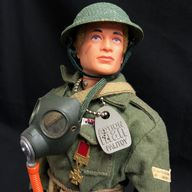 VINTAGE ACTION MAN - BRITISH INFANTRYMAN - SOLDIERS OF THE WORLD COMPLETE - STUNNING